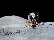 Apollo 15, o Módulo Lunar Falcon no campo Hadley-Apeninos . Crédito: NASA